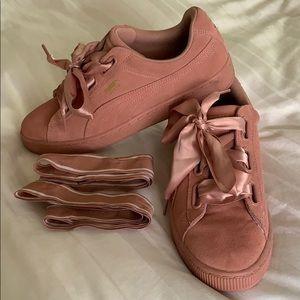 Puma Sneakers -Basket Heart -Pink Suede